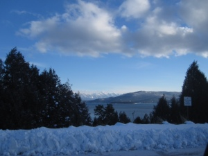 Driving along the coast of Flathead Lake