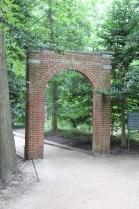 Slave memorial gateway
